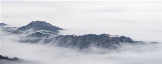 九华山出现罕见云海雾凇景观