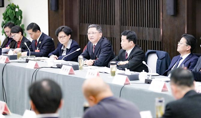 金庆丰在参加石台代表团审议时强调  提速追赶奋力突破实现高质量发展