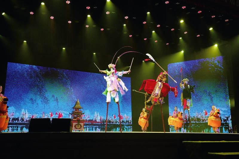 貴池儺戲《千年儺》昨晚在秋浦影劇院上演