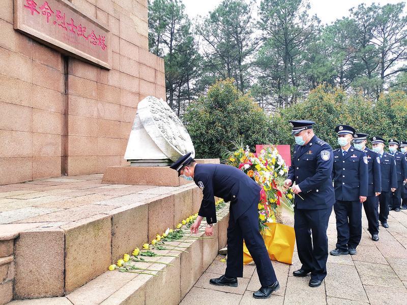 池州烈士陵园多形式开展祭奠活动缅怀英烈