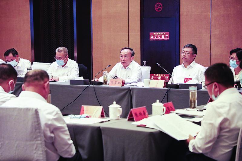 張夏林在參加第二代表團審議時強調 自我加壓 爭先進位 奮力開創縣域經濟高質量發展新局面