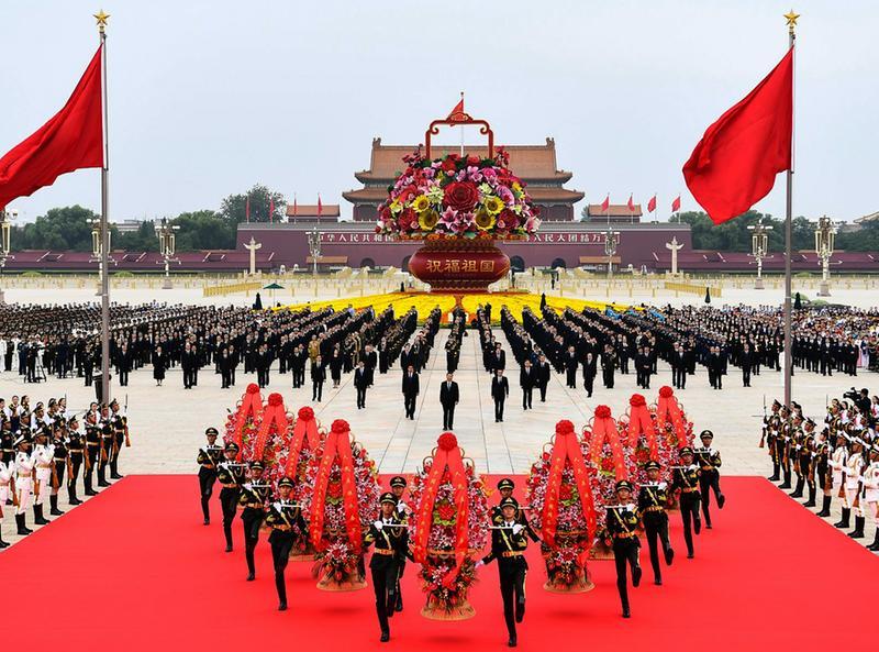 烈士紀念日向人民英雄敬獻花籃儀式在京隆重舉行