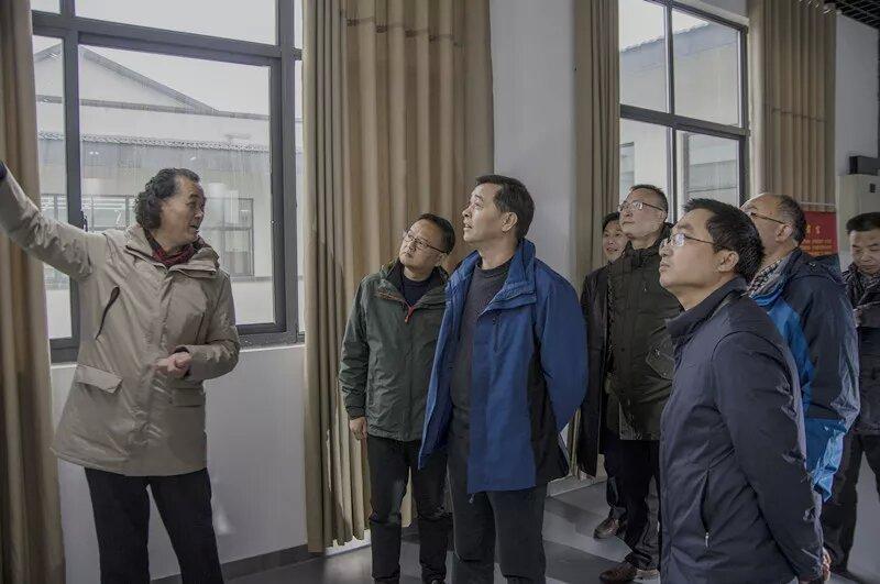 县长巩文生调研县文化中心建设运行工作