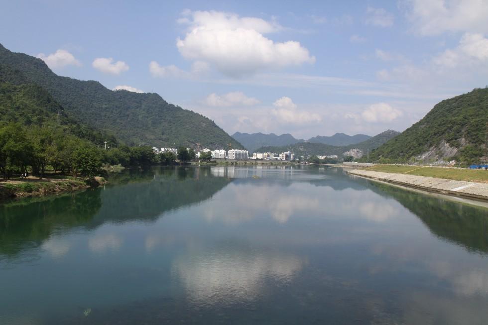 石台县城区河道整治工程.jpg